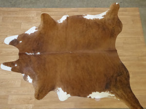 Natural Hair On Cow Hide : This Hide Is Perfect For Wall Hanging, Leather Rugs, Leather Bags & Leather Accessories (pic code 1020029)