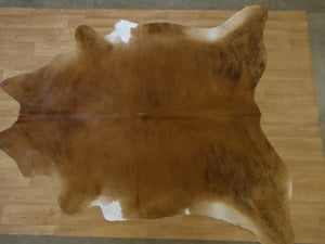 Natural Hair On Cow Hide : This Hide Is Perfect For Wall Hanging, Leather Rugs, Leather Bags & Leather Accessories (pic code 1020083)