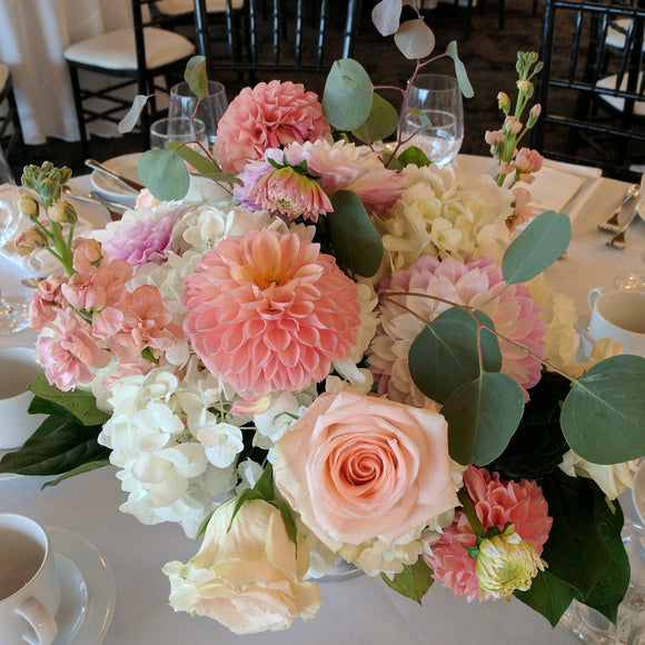 Residential Elopement:  Coral Charm Centrepiece