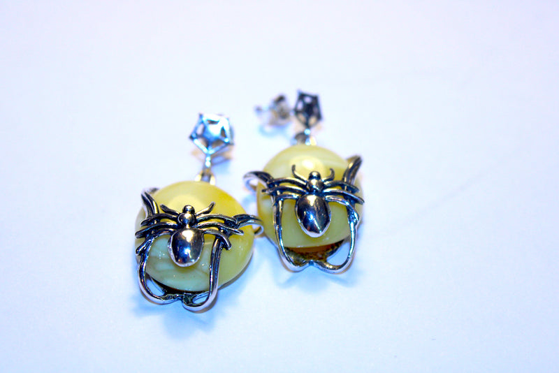 Spider Bottom Hard Yellow Amber Push Pin Earing - Mawlana Cashmere & Silk
