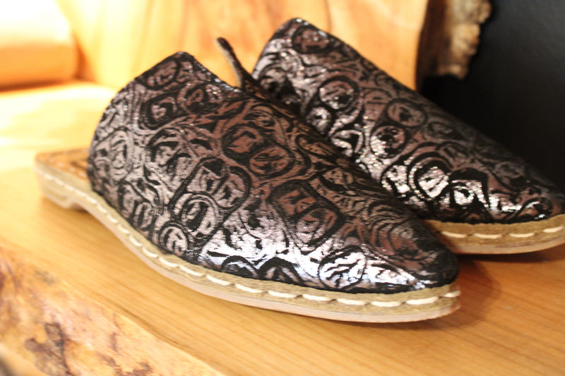 SIlver Embroidered Handmade Slippers - Mawlana Cashmere & Silk