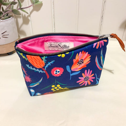 Botanical Zipper Purse