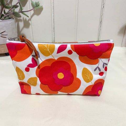 Orange Daisy Zipper Purse