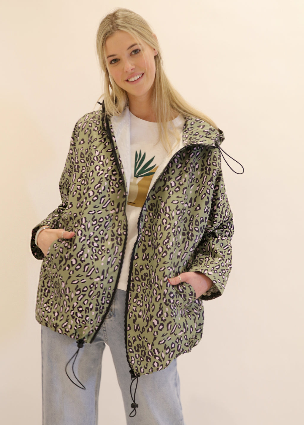 Graphic Leopard Print Melbourne Design Lifestyle Raincoat In Green