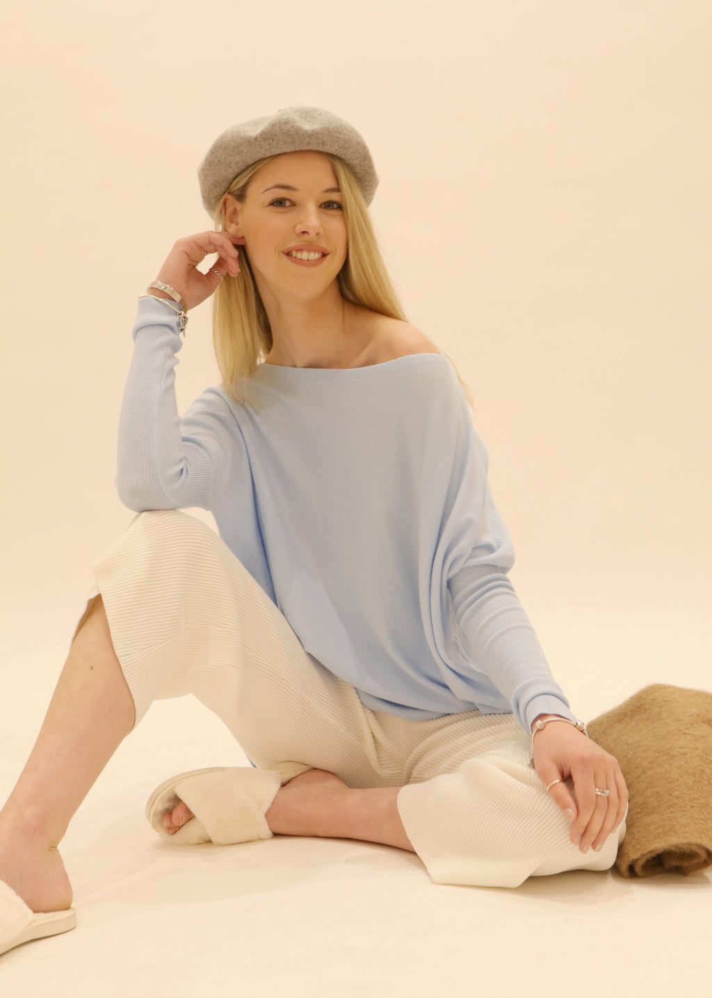 Oversized knit jumper Austral in Baby Blue