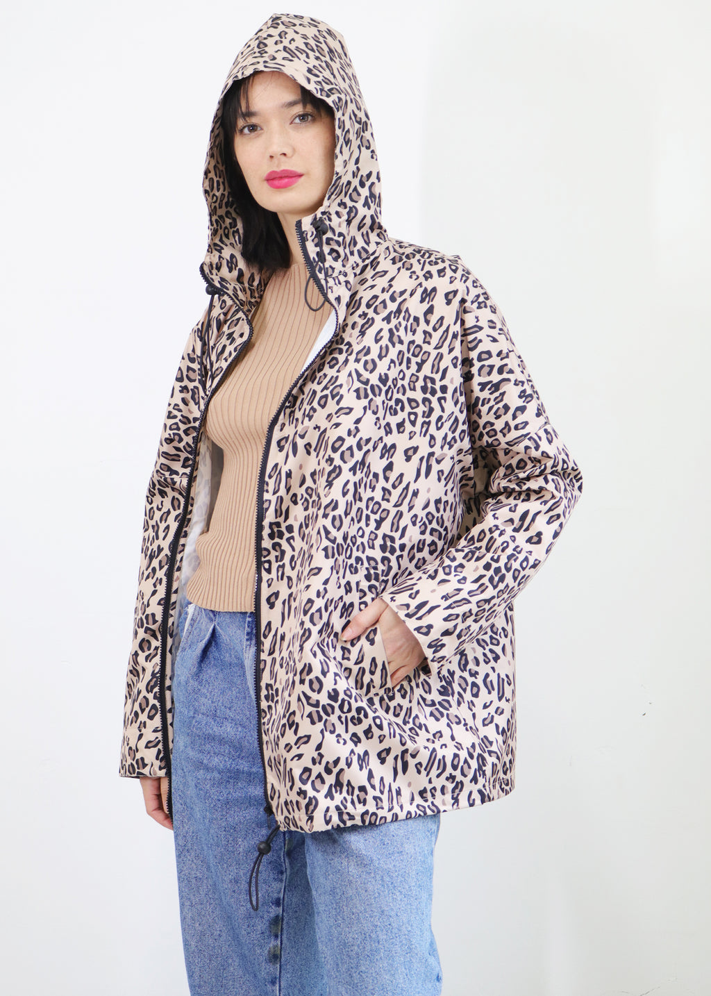 Exlusive Graphic Leopard Print Waterproof Lifestyle Raincoat