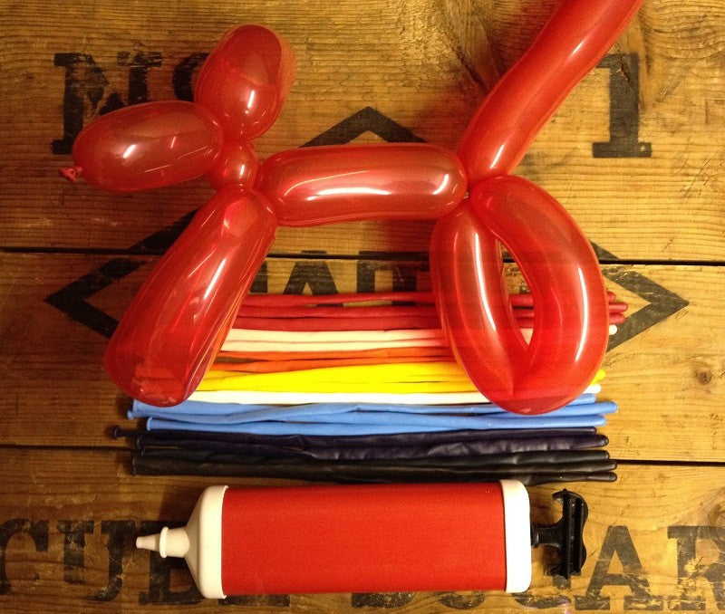 Games - Fun Modeling Balloon Kit with Pump and Instructions