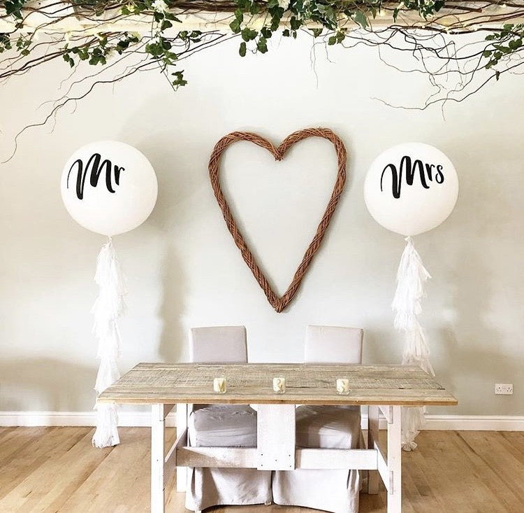 "Mr & Mrs 36"" Paddle Balloons"