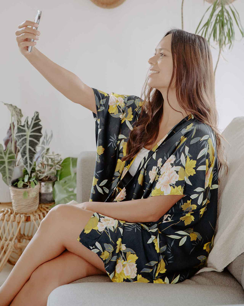 Classic Floral Anywhere Robe - Fashion Off The Rack