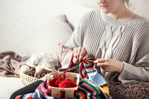 Difference Between Crocheting and Knitting