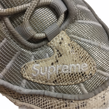 Load image into Gallery viewer, 2016 Supreme x NIKE Air Max 98 Snakeskin