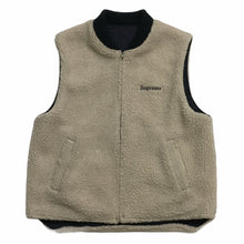 Load image into Gallery viewer, 2016 Supreme Reversible Wool Logo Vest