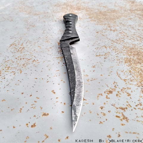 BLADETRICKS CUSTOM KADESH, G10 VERSION