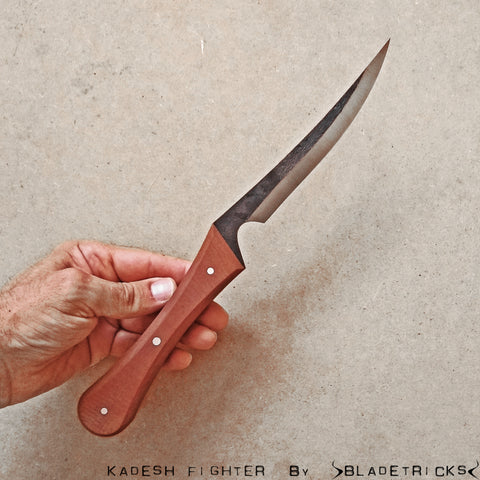 Tactical dagger fighter knife