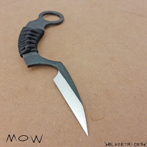 Reverse grip edge in Mow Bladetricks karambit