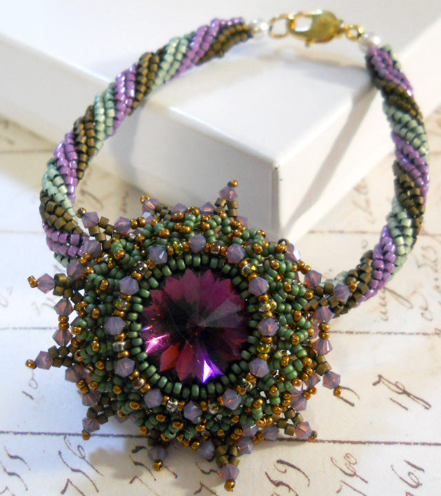Autumn Bloom Bracelet Design Tutorial - Green & Purple Colorway.