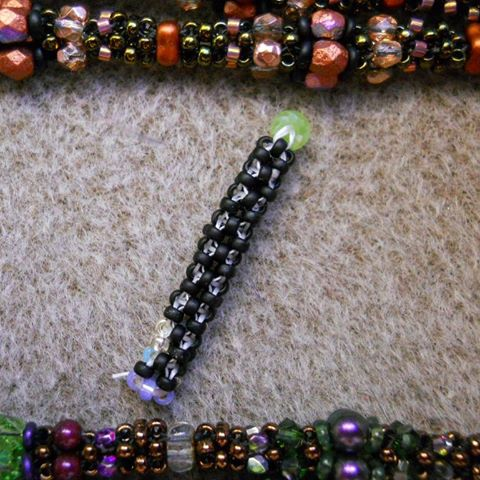 Learn How To Bead the Cubic Right Angle Weave (CRAW)