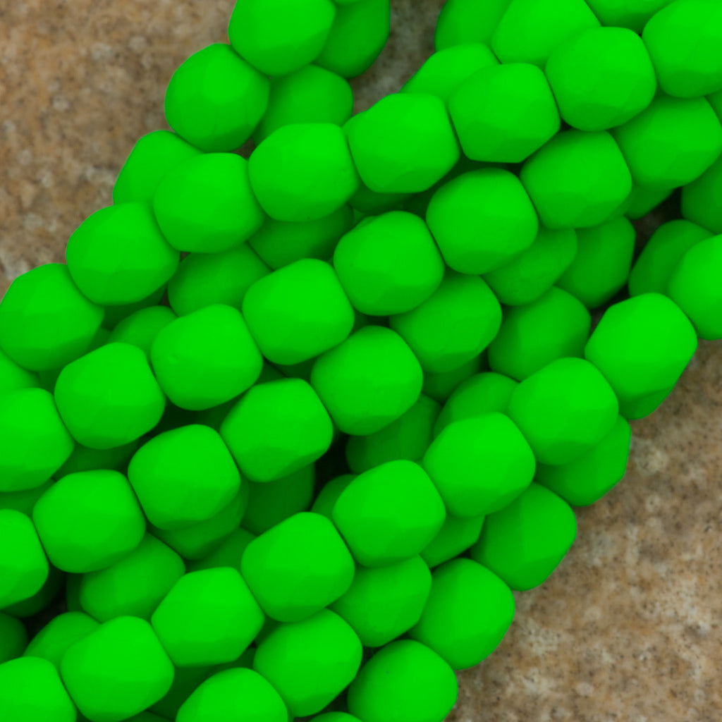 100 Czech Fire Polished 4mm Round Bead Neon Green (25124)