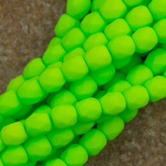 100 Czech Fire Polished 4mm Round Bead Neon Lime (25142)