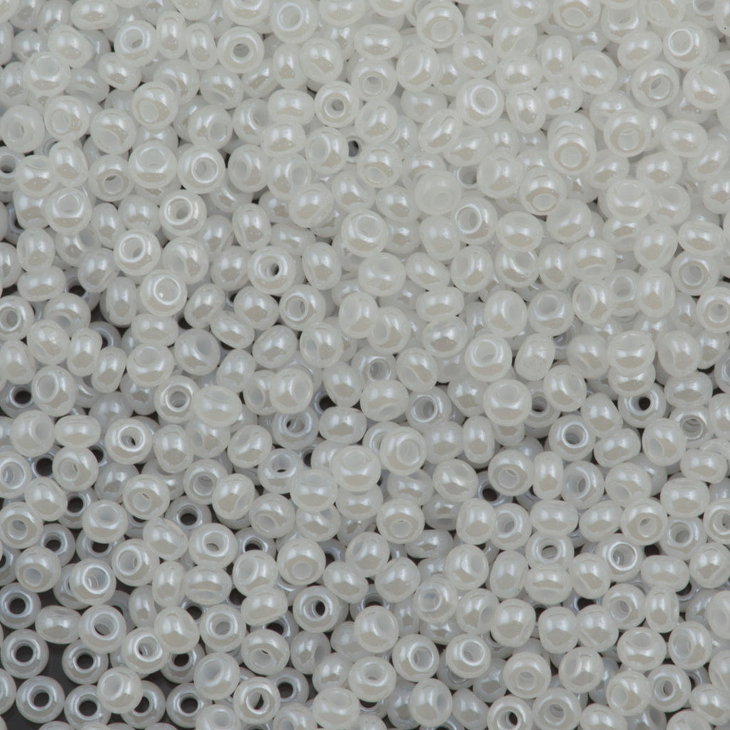 Czech Seed Bead 10/0 White Pearl 15g (57102)