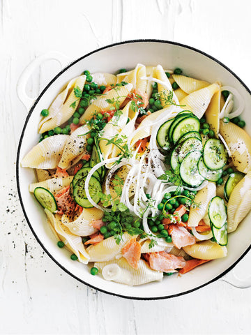 Pasta salad with smoked salmon and peas