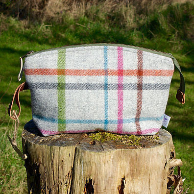 Harter Fell Wash Bag - Peter Hall & Son