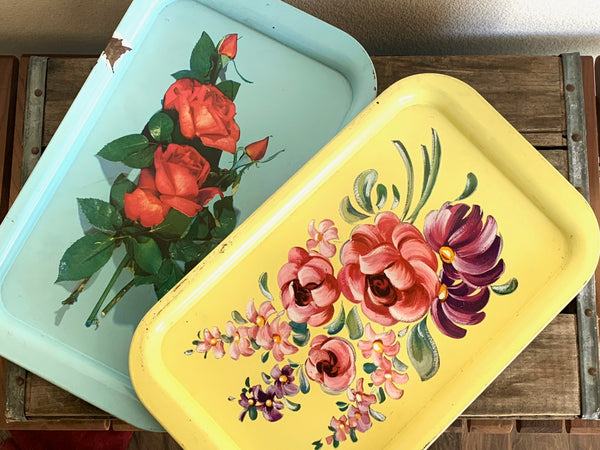 ADORABLE VINTAGE ENAMEL TRAYS
