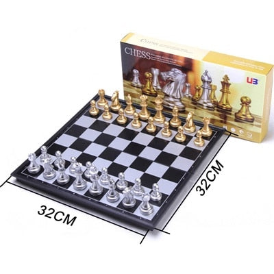 Classic Medieval Chess Set