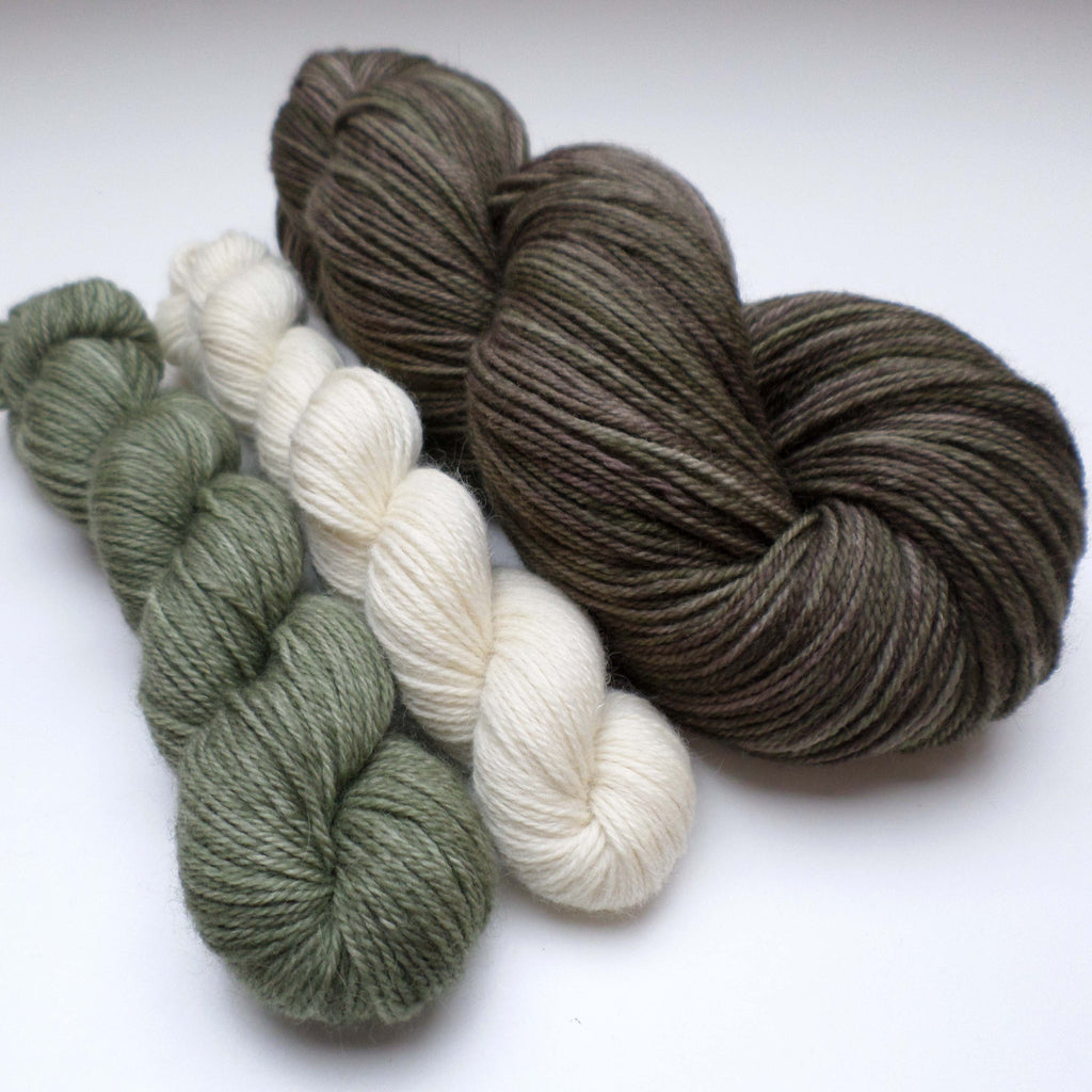 Yarn bundle for Southwold in the Snow pattern - Sage Seaweed