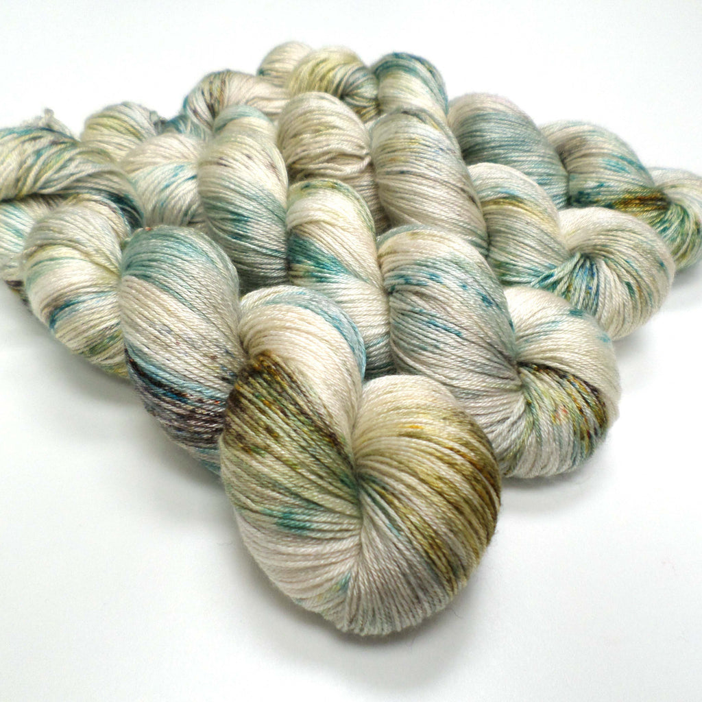 Lustrous BFL - Chesil Beach