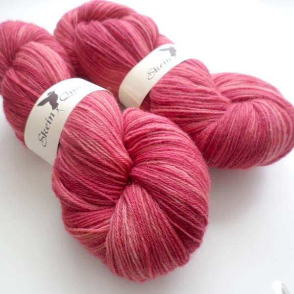 Voluptuous Skinny - Rose Red