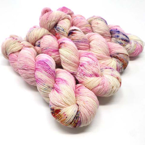 ** New Standard Colourway ** Wriggle - Show Garden