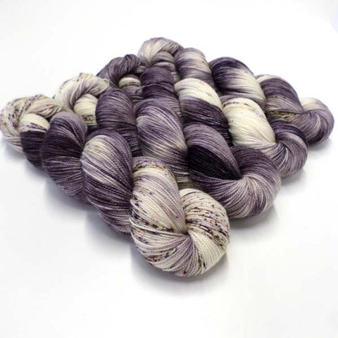Exquisite Twist - Vintage Violets