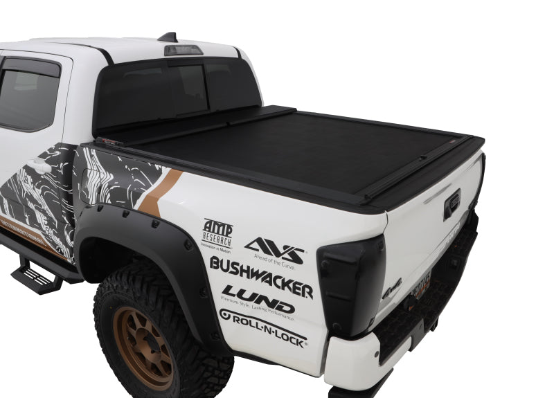 Roll-N-Lock 16-18 Toyota Tacoma Crew Cab SB 60-1/2in M-Series Retractable Tonneau Cover