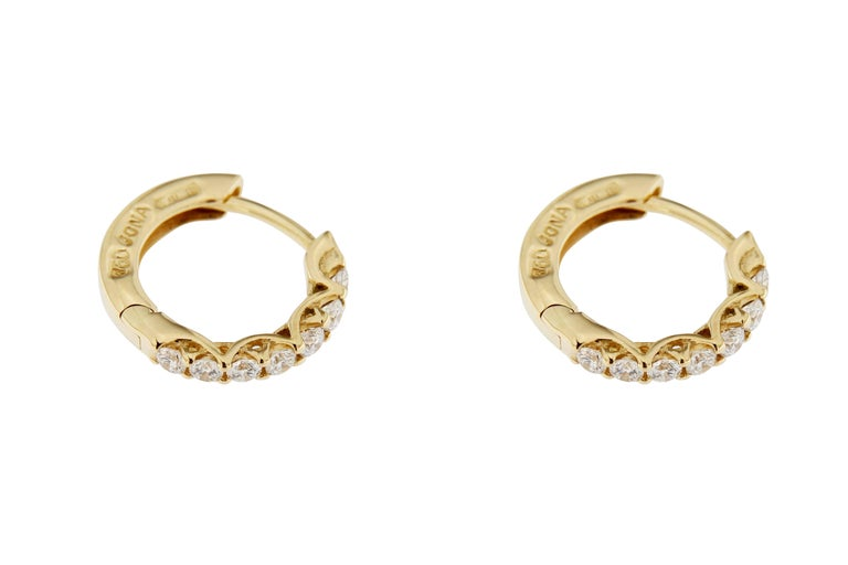 Jona White Diamond 18 Karat Yellow Gold Small Hoop Earrings In New Condition For Sale In Torino IT