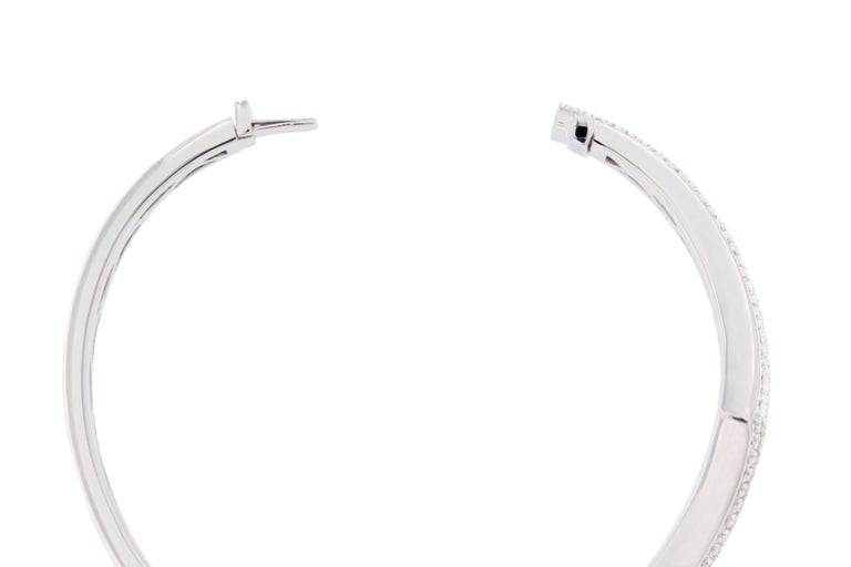 Jona White Diamond Pavé 18 Karat White Gold Bangle Bracelet For Sale 1