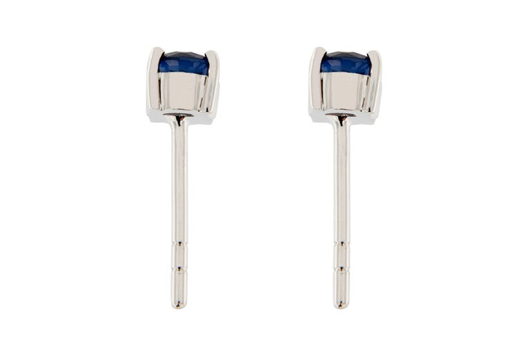 Jona Blue Sapphire 18 Karat White Gold Stud Earrings In New Condition For Sale In Torino IT
