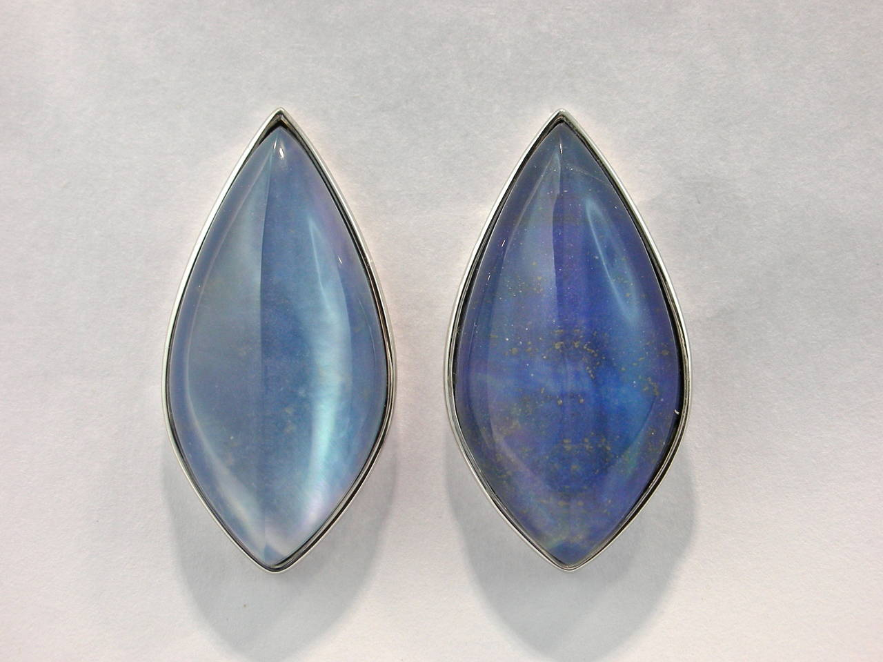 Jona Lapis Lazuli Quartz Mother of Pearl 18 Karat White Gold Stud Earrings In New Condition For Sale In Torino IT