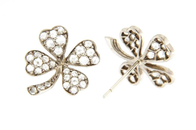 Jona White Diamond 18 Karat White Gold Four-Leaf Clover Stud Earrings In New Condition For Sale In Torino IT