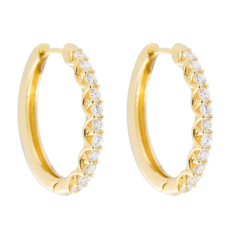 Jona White Diamond 18 Karat Yellow Gold Oval Hoop Earrings In New Condition For Sale In Torino IT