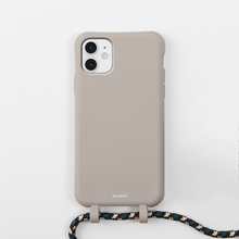 Load image into Gallery viewer, Luna Tans Case + Rope - iPhone 11 - Allogio