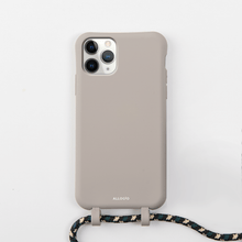 Load image into Gallery viewer, Tans Case + Rope - iPhone 11 Pro - Allogio