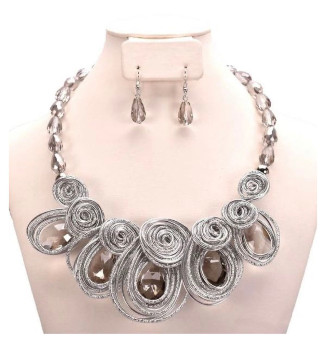 Silver Wire Beaded Acrylic Spiral Necklace Set