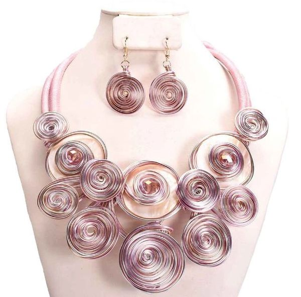 Wire Geometric Pink Necklace Set