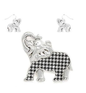 Houndstooth Elephant & Ear Set
