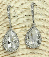 Load image into Gallery viewer, Tear Drop Rhinestone Earrings