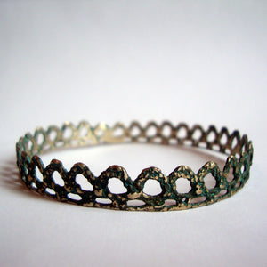 PYRAMID LACE BANGLE handmade by SHEENA