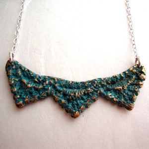 PYRAMID LACE NECKLACE handmade by SHEENA