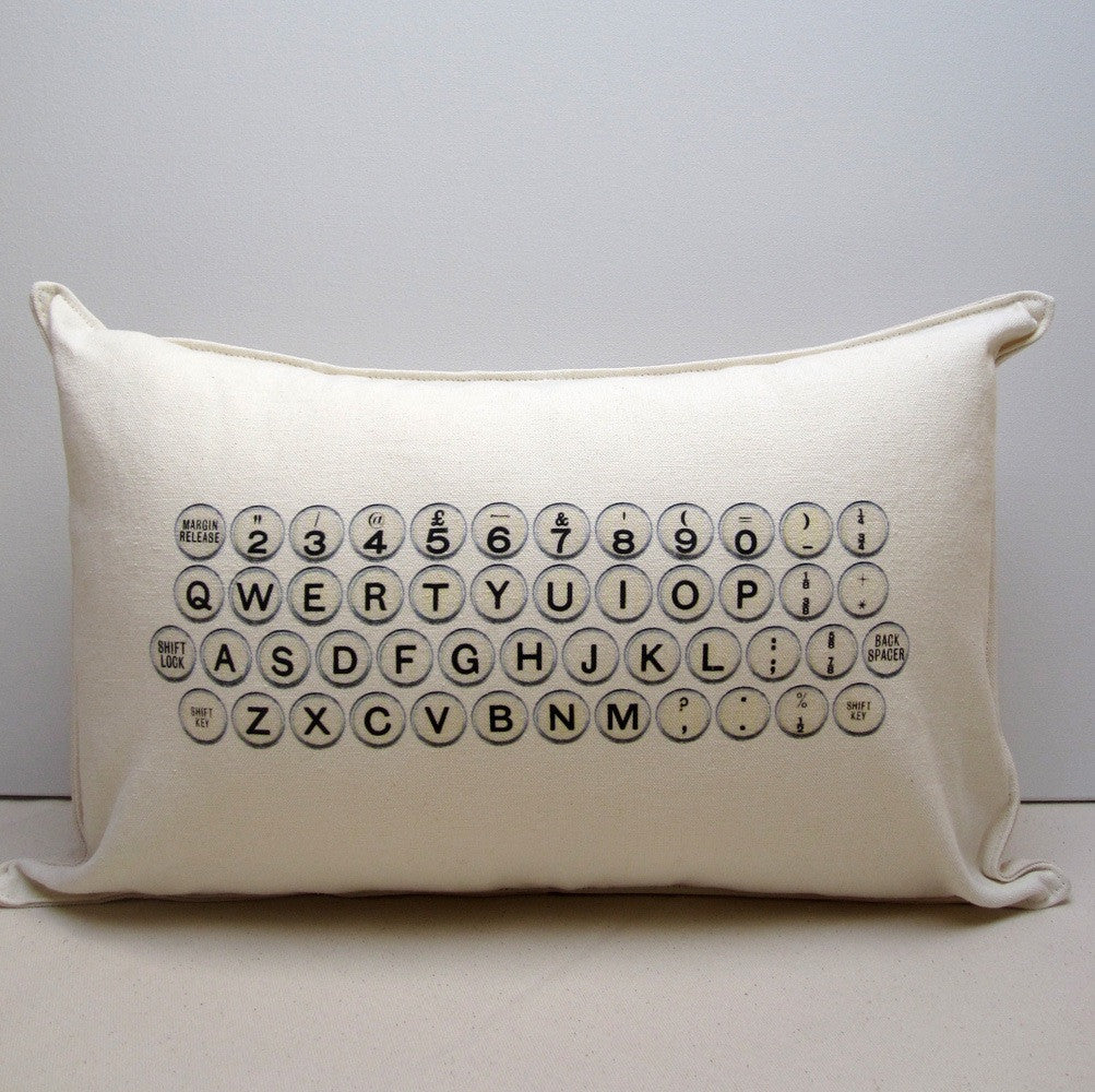 TYPEWRITER PILLOW handmade by P I ´ L O