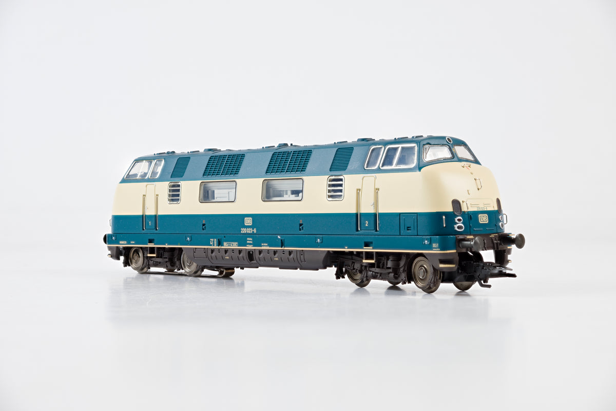 Marklin HO 37807 Class V200.0 Diesel Locomotive '220 023-6', MFX Sound